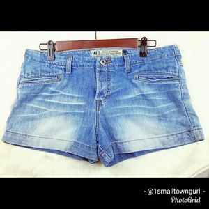 American Eagle Jean Shorts button fly 8